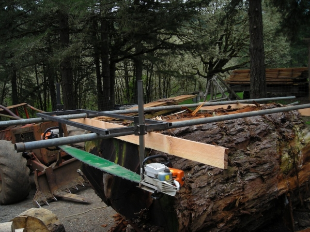Slabbing a section of a Giant Sequoia with Bobby Brown's custom Alaska Chainsaw Mill